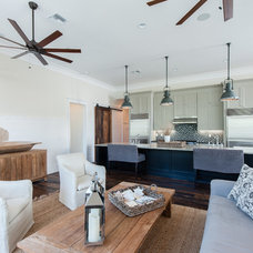 Living Room by Emerald Coast Real Estate Photography