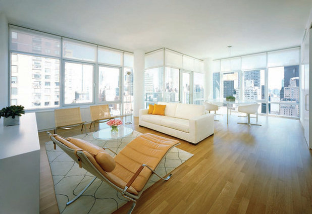 Modern Living Room by SUITE New York