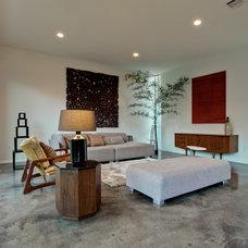 Modern Living Room by Designing Habitats
