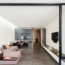 Contemporary Living Room by CNC Building