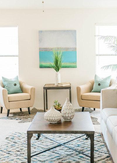 ビーチスタイル リビング by Attractive Interiors Home Staging