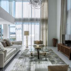 Contemporary Living Room by MILA DESIGN