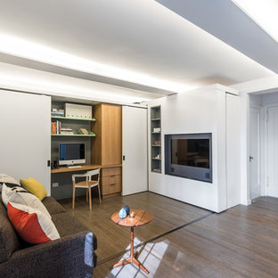 Example of a minimalist living room design in New York