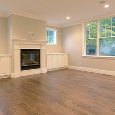 Traditional Living Room by Garden City Developers
