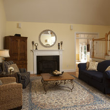 Traditional Living Room by Just Perfect! Home Staging + More