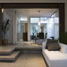 Modern Living Room by Maya Sahafi