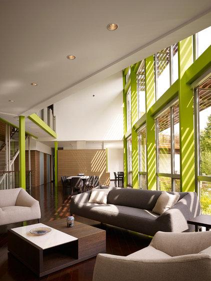 Contemporary Living Room by Thomas Roszak Architecture, LLC
