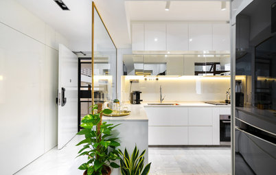 Houzz Tour: This HDB Flat Shines Bright With a Monochrome Palette