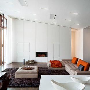 Ejemplo de salón moderno con paredes blancas
