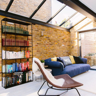 A light & bright living space with an industrial twist