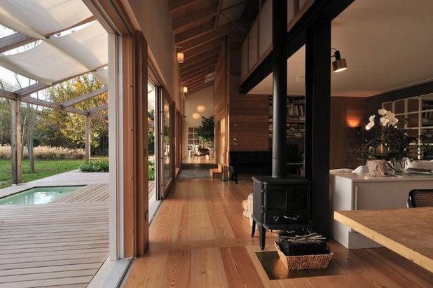 Modern Living Room by Tollot&C LLC.