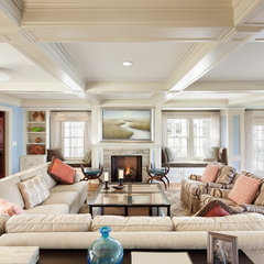 living room by Feinmann, Inc.