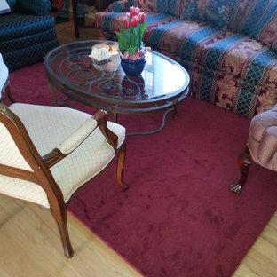 Foto di un soggiorno tradizionale di medie dimensioni e aperto con sala formale, pareti verdi, parquet chiaro e nessuna TV