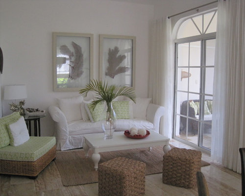Tropical small living room design ideas remodels photos for Houzz small living rooms