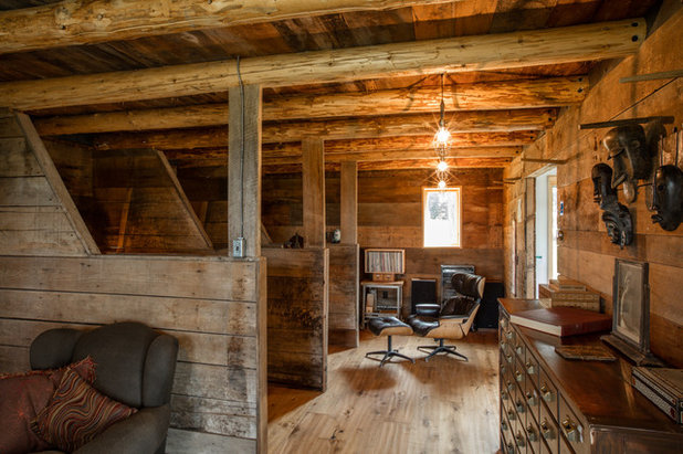 Farmhouse Living Room by Silver Maple Construction LLC