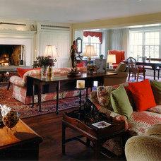 Traditional Living Room by Spencer-Abbott, Inc.
