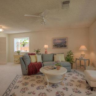 Idee per un soggiorno tradizionale di medie dimensioni e aperto con pareti gialle, moquette, nessun camino, pavimento bianco, sala formale e nessuna TV