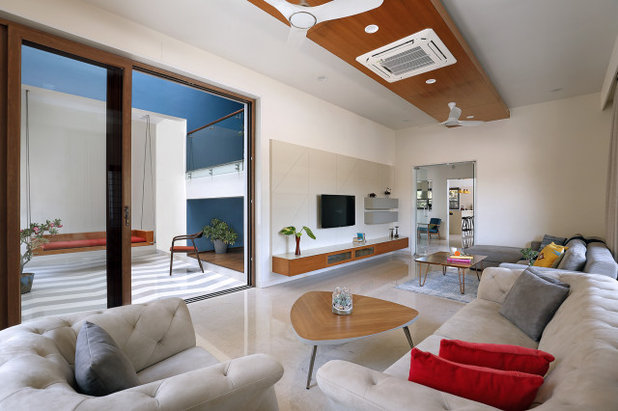 Contemporary Living Room by JPLUSDARCHITECTS