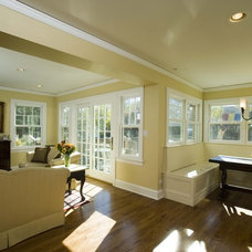 Traditional Living Room by Airoom Architects-Builders-Remodelers