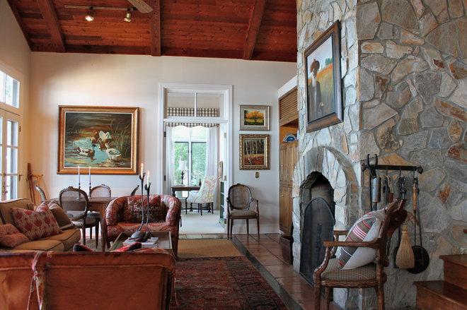 Traditional Living Room by Lauren Mikus