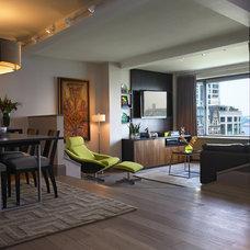 Modern Living Room by Alan Kosa Interiors