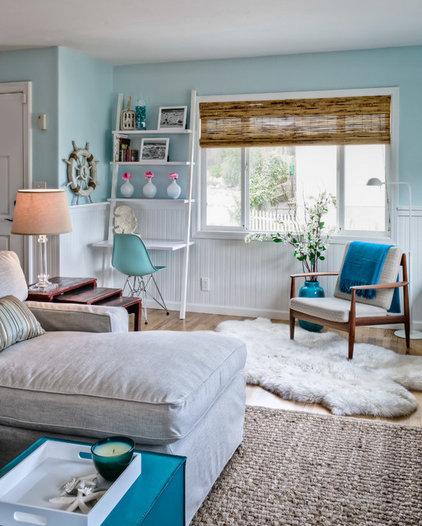 Beach Style Living Room by Sabrina Alfin Interiors, Inc.