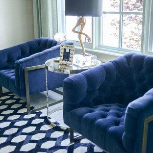 Foto di un soggiorno boho chic di medie dimensioni e chiuso con sala della musica, pareti beige e moquette
