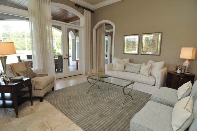 Traditional Living Room by Tolaris Homes