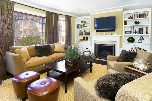 How to arrange your room for tv and people too for Tv room arrangements