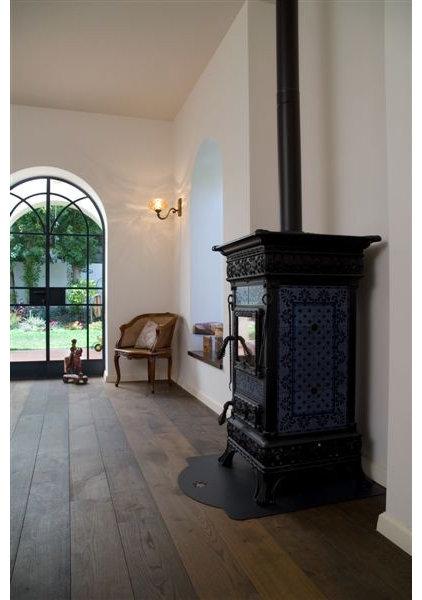 Eclectic Living Room by NURIT GEFFEN-BATIM STUDIO