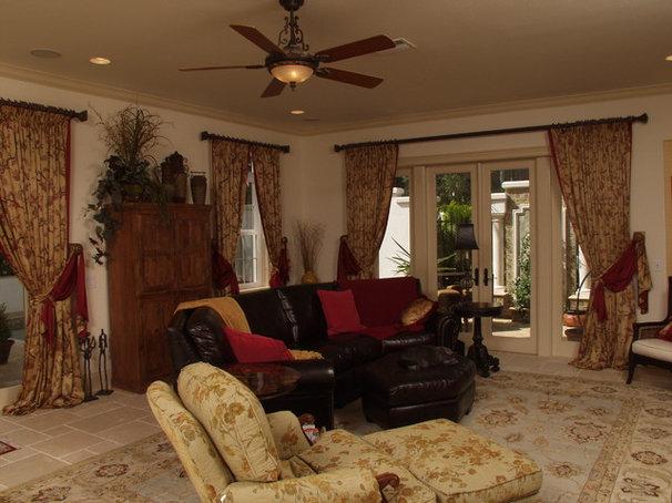 Mediterranean Living Room by Wells Design Contracting Inc.