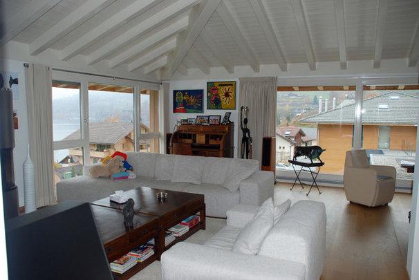 Modern Living Room by Jules van de Ven