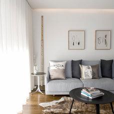 Modern Living Room by Bayview Design Group Australia