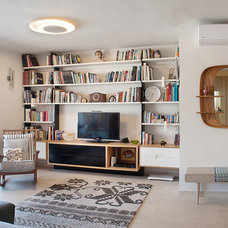 Contemporary Living Room by Ruth Kedar architect