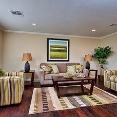 Traditional Living Room by Elle Interiors, Ellinor Ellefson