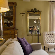 Traditional Living Room by in3interieur