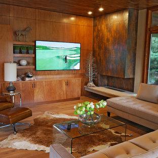 Foto de salón abierto, contemporáneo, con paredes beige, chimenea lineal y televisor colgado en la pared