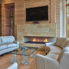 Contemporary Living Room by Glennwood Custom Builders (NC)