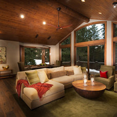 rustic living room by Spirit Interior Design & Gallery