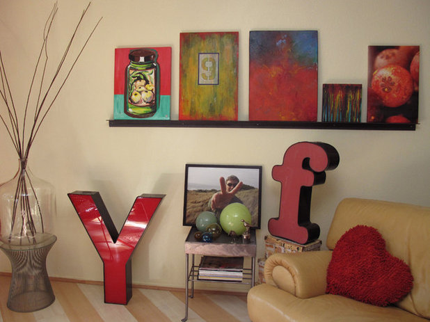 Eclectic Living Room by XOJY