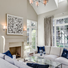 Traditional Living Room by KL Interiors