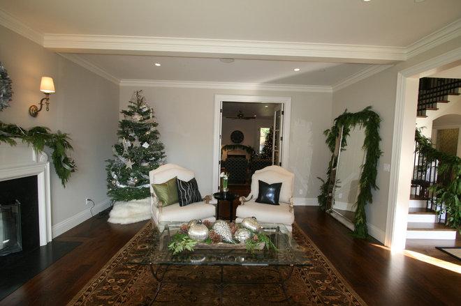Traditional Living Room Atherton Holiday House Tour