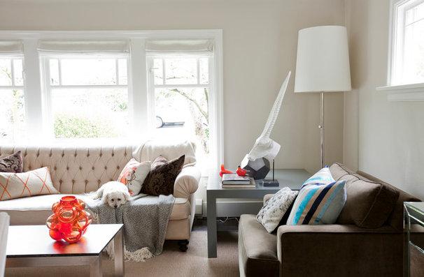 Contemporary Living Room by Riesco & Lapres Interior Design