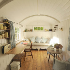 Farmhouse Living Room by Roundhill Shepherd Huts