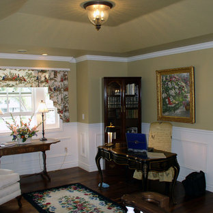 Photo of a traditional living room in Salt Lake City.