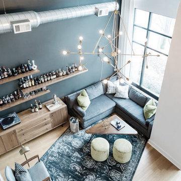 Bachelor's Loft-Living Room