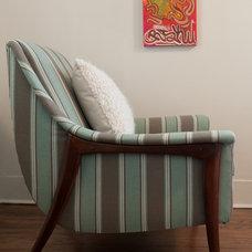 Modern Living Room by Elizabeth Holmes Design