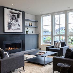 シアトルの中くらいのコンテンポラリースタイルのおしゃれなLDK (白い壁、淡色無垢フローリング、横長型暖炉、金属の暖炉まわり、テレビなし、塗装板張りの壁、フォーマル) の写真