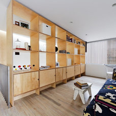 Contemporary Living Room by Join Constructions