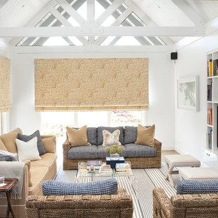 Idées déco pour un salon avec une bibliothèque ou un coin lecture classique avec un mur blanc.